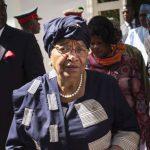 Ellen Johnson Sirleaf et Ernest Bai Koroma à Banjul, en Gambie, le 13 décembre 2016.