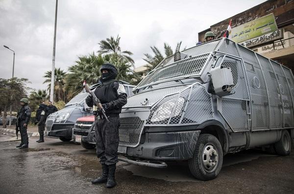 Égypte : 17 blessés dans un attentat visant des touristes près des pyramides de Guizeh