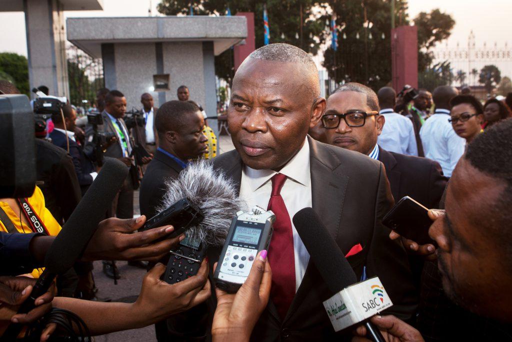 Vital Kamerhe, ancien président de l'Assemblée nationale de la République démocratique du Congo, devant la Citée de l'OUA à Kinshasa, le 17 septembre 2016.