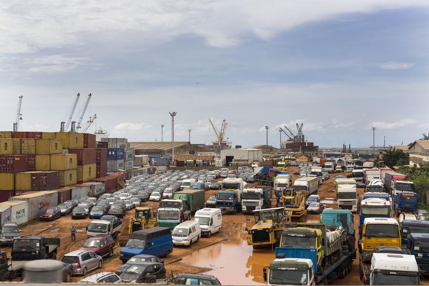 Vue du port de Lomé.