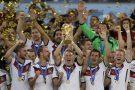 L'équipe allemande de football vainqueur de la Coupe du Monde 2014, remportant la finale face à l'Argentine, à Rio.