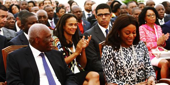 José Eduardo dos Santos, l'ex-président angolais avec sa femme Ana Paula, au premier plan. Sa fille Isabel dos Santos, au côté de son époux, Sindika Dokolo, au second plan.