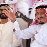 Le roi Saoudien, Salmane ben Abdelaziz Al Saoud, avec le Premier ministre des Émirats arabes unis, Mohammed ben Rachid Al Maktoum, à Abu Dhabi, le 4 décembre 2016.
