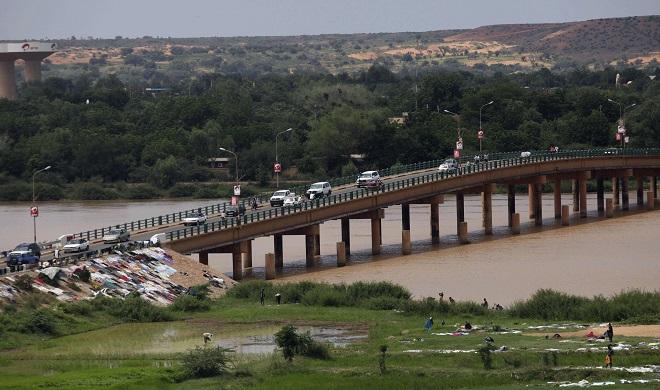 Le pont de Niamey (Niger), le 12 septembre 2011
