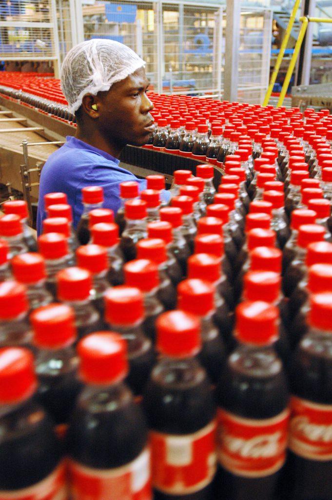 Ces dernières années, le prix du concentré, la recette secrète du Coca-Cola, tend à augmenter, et les embouteilleurs de la marque rouge ont vu leurs coûts gonfler.