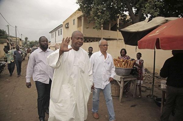Le leader de l'opposition togolaise, Jean Pierre Fabre, pendant les élections législatives, à Lomé, le 25 juillet 2013.