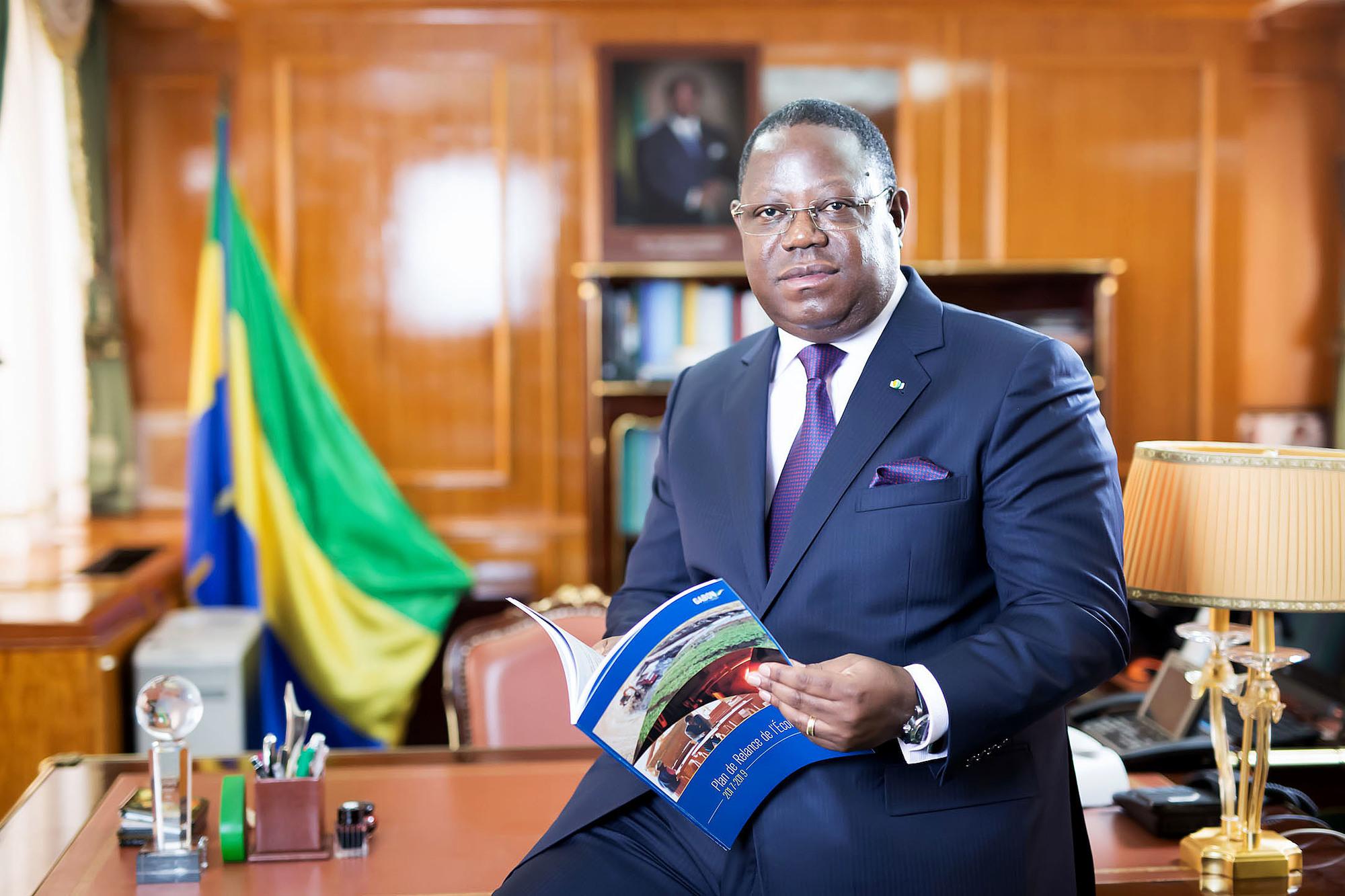 Emmanuel Issoze Ngondet.