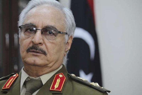 Le maréchal Khalifa Haftar à Al Marj, au nord-est de Benghazi, en Libye, le 22 mars 2017.