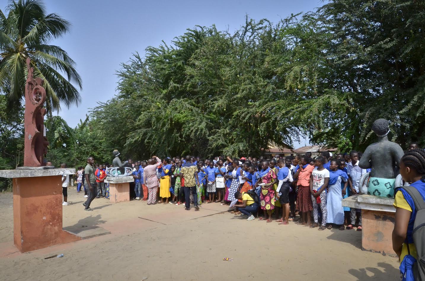 A Ouidah, sur la place de Zoungbodji. Crédit : Charles Placide pour JA