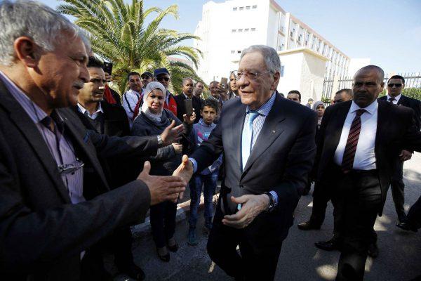 Djamel Ould Abbès, secrétaire général du FLN, faisant campagne à Boumerdès, à 45km à l'est d'Alger,le 11avril.