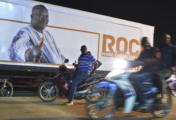 Après la victoire électorale, le 1er décembre 2015, dans les rues de Ouaga