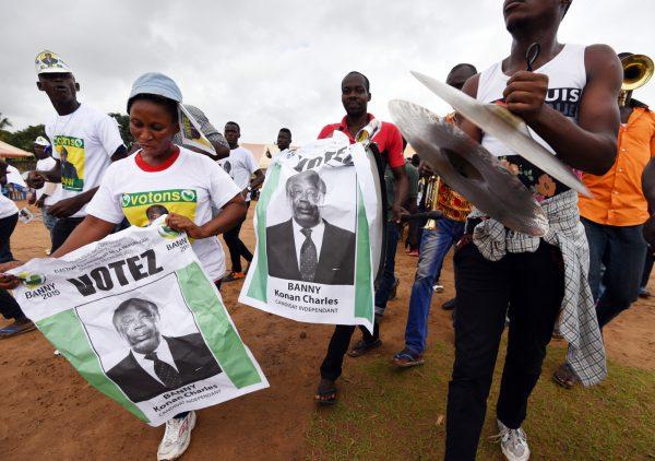 Lors du lancement de la campagne de Charles Konan Banny pour l'élection présidentielle, à Abidjan, en octobre2015.