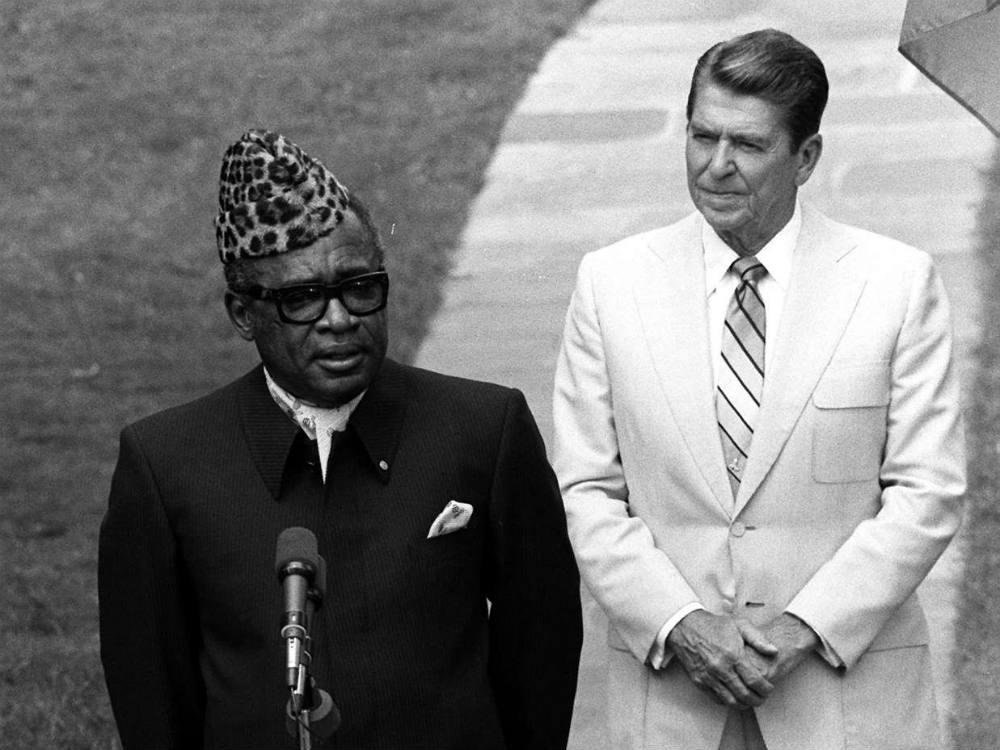 Le président congolais Mobutu Sese Seko et son homologue américain Ronald Reagan, à Washington, le 5 août 1983.