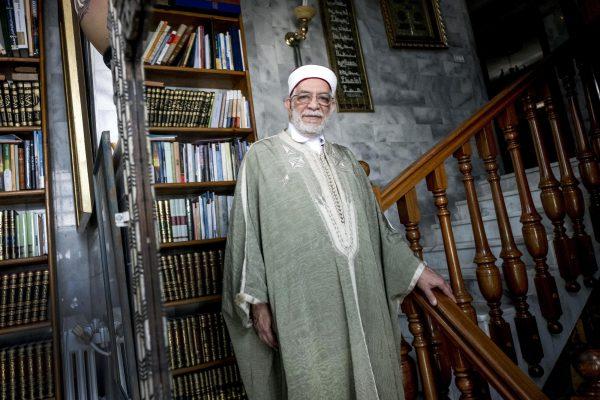 Abdelfattah Mourou à son domicile, à La Marsa, dans la banlieue nord de Tunis, le 8mai 2017.