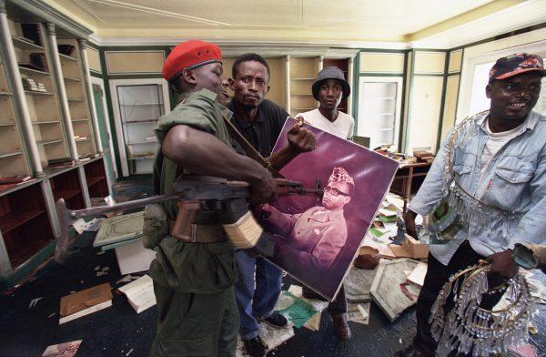 """Résultat de recherche d'images pour """"fuite de mobutu"""""""