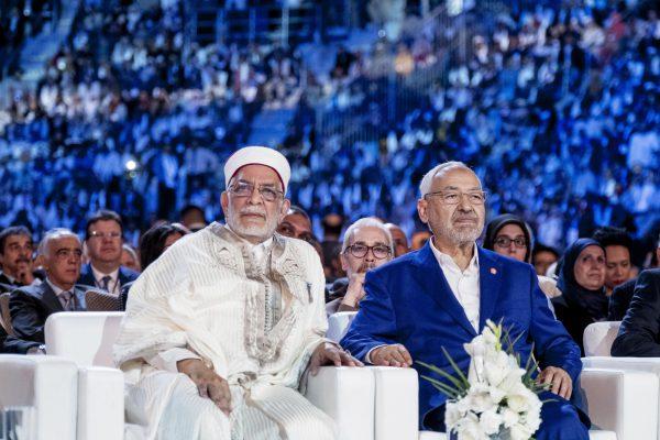 Avec Rached Ghannouchi, président d'Ennahdha, lors de l'ouverture du 10econgrès du parti, le 20mai 2016, à Radès.
