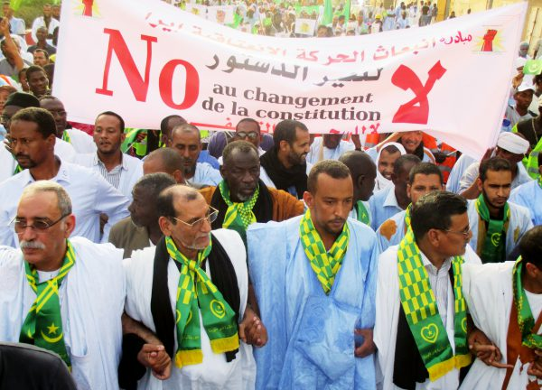 Les opposants à la réforme multiplient les manifestations pour empêcher la tenue de la consultation.