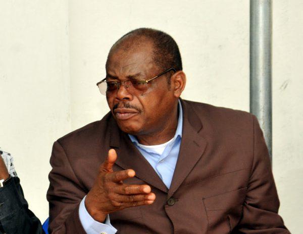 Le général Kpama Baramoto lors des funérailles de sa mère à Kinshasa, 11/03/2012.