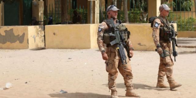 """Attaque """" sans précédent """" contre les Casques bleus et les forces françaises à Tombouctou"""