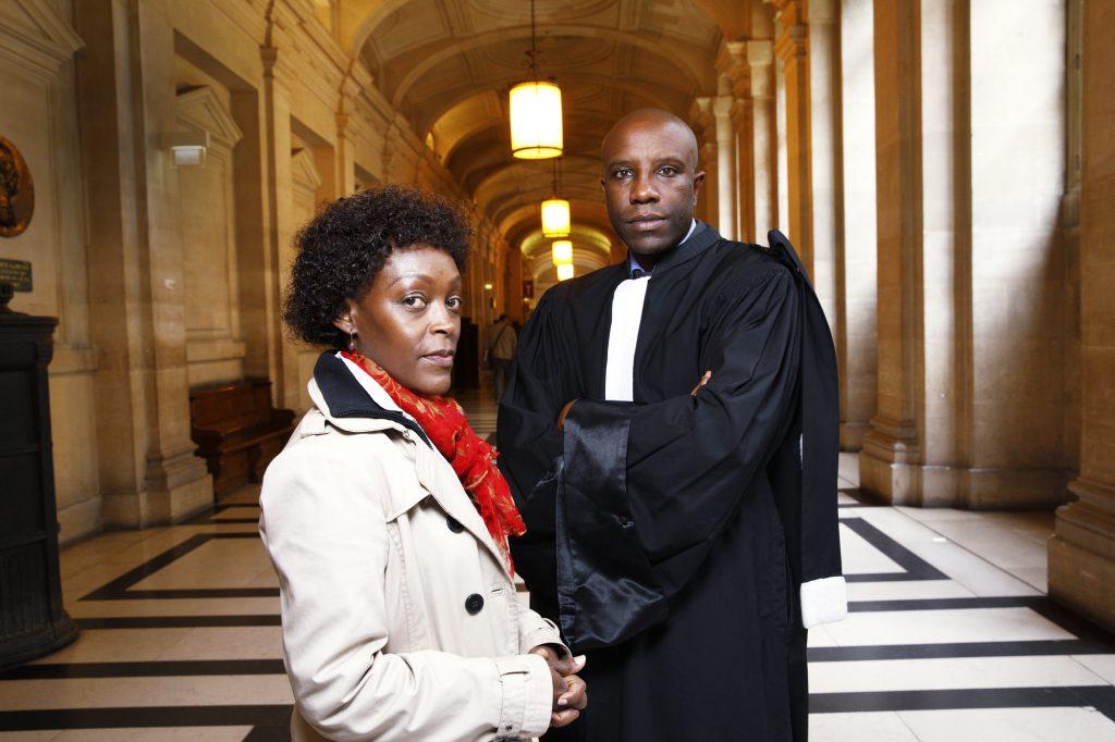 Vanessa Rupia-Costentin et Me Richard Gisagara, au palais de justice de Paris, le 5mai.