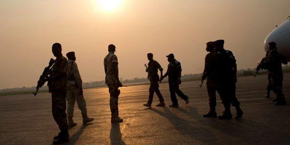 D'anciens membres de la Séléka, à l'aéroport de Mpoko à Bangui, en Centrafrique le 8 janvier 2014.