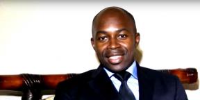 Serge Espoir Matomba, dans une vidéo où il présente ses voeux pour l'année 2016.