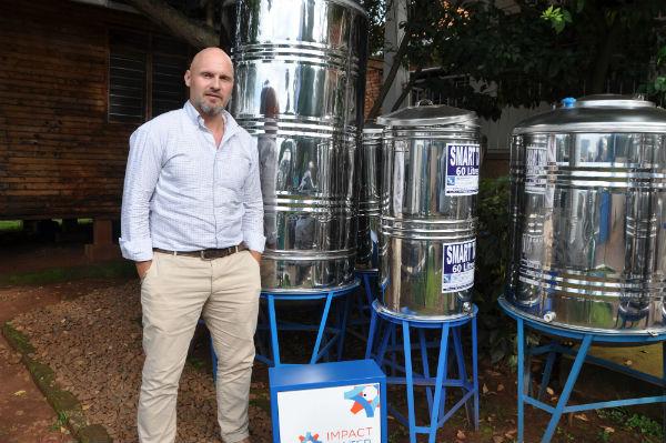 Mark Turgesen, le directeur de  Impact Carbon and Impact Water Ouganda