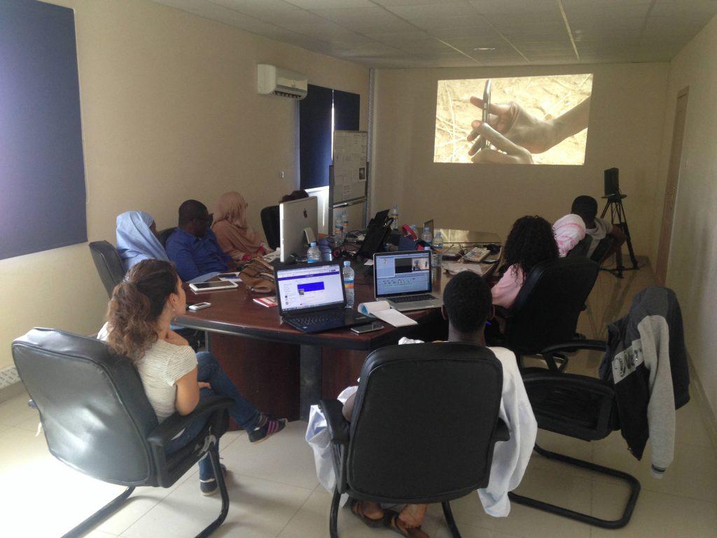 Neuf journalistes mauritaniens en formation à Nouakchott avec Elsa Miské.