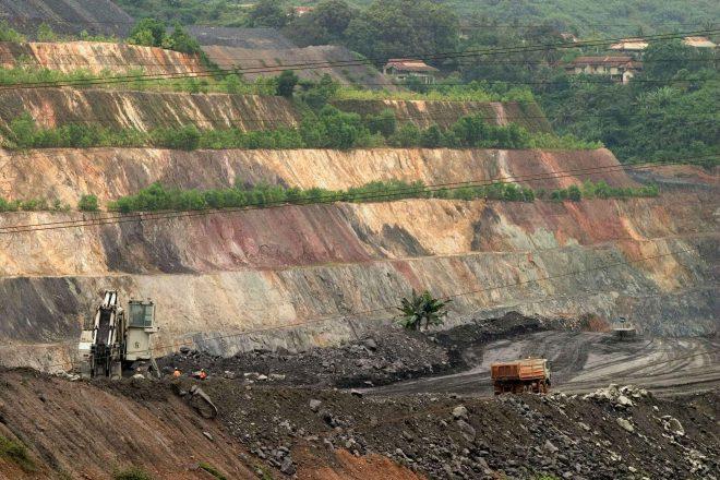 http://www.jeuneafrique.com/553750/politique/cameroun-tensions-entre-camerounais-et-chinois-sur-lexploitation-industrielle-de-lor/