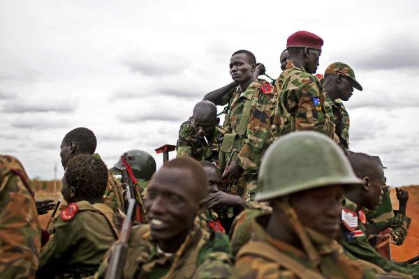 Des soldats de l'armée sud-soudanaise, en 2012 dans l'État d'Unité.