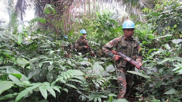 Les Casques bleus patrouillent à Buniyampuli, dans l'est de la RDC.