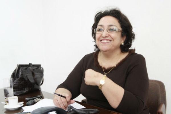 Bochra Belhaj Hmida, en mars 2011 dans les locaux de  la Commission d'investigation sur les violations des droits de l'homme et les abus commis pendant l'ère Ben Ali
