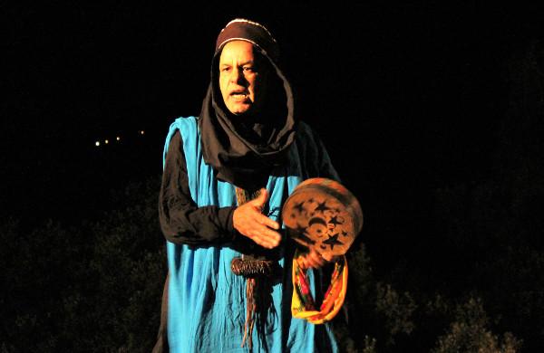 Un conteur originaire du sud de l'Algérie participe à la