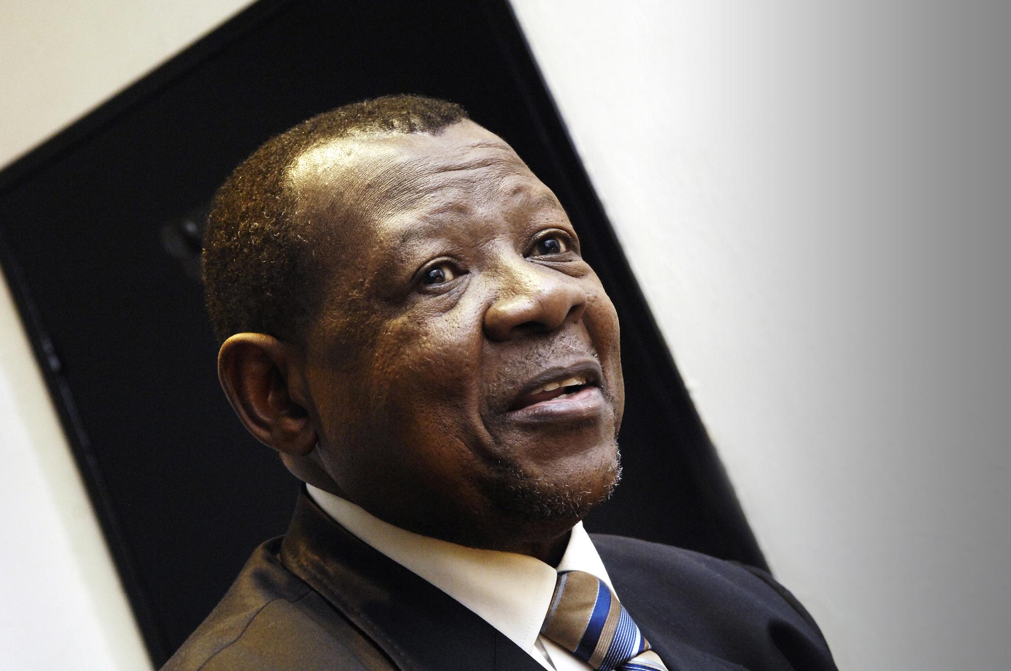 Lambert Mende Omalanga représente le pouvoir congolais depuis bientôt dix ans.