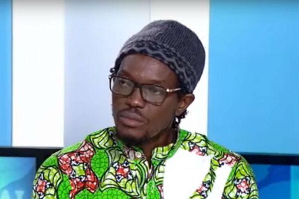 Mohamed Youssouf Bathily, alias Ras Bath, sur le plateau de TV5 Monde le 18 juillet 2017.