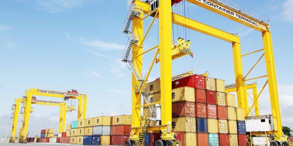 Le port de Lomé (Togo), géré par MSC et Bolloré, tire son épingle du jeu en tant que plateforme régionale.