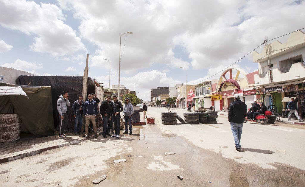 Barrage installé par des chômeurs, à Tataouine (Sud), en avril dernier.