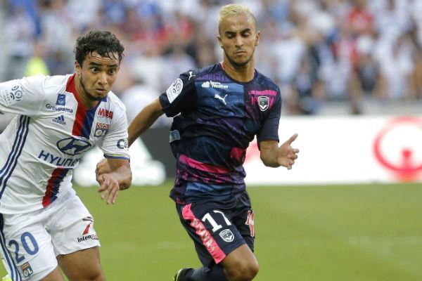 Adam Ounas (d.) lors du match Lyon -Bordeaux le 10 septembre 2010.