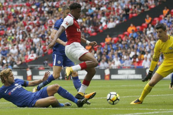 Alex Iwobi sous le maillot de l'Arsenal, en août 2017.