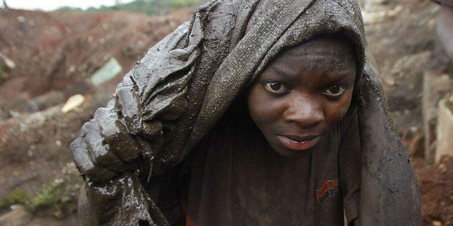 """Résultat de recherche d'images pour """"image d'enfants travaillant dans les mines de cobalt en rdc"""""""