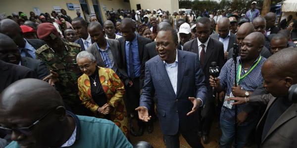 Le président sortant, Uhuru Kenyatta, après avoir voté, le 8 août, à Gatundu.