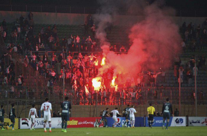 Des supporters du club de foot Zamalek lors d'un match au Caire le 8 février 2015.