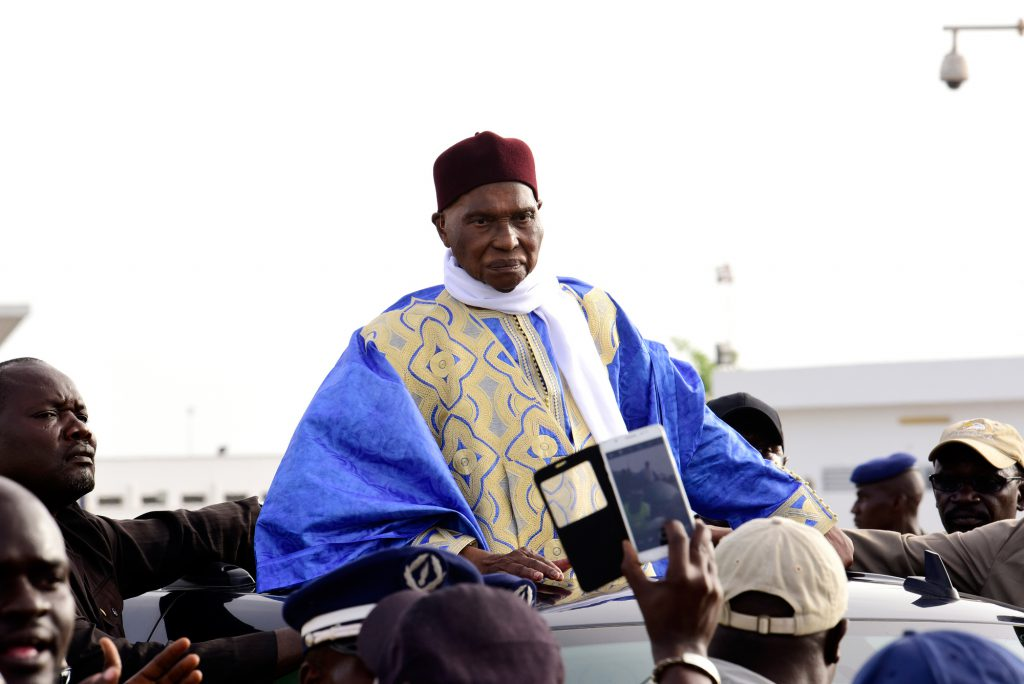 L'ex-président Abdoulaye Wade, tête de liste de la Coalition gagnante Wattu Senegaal, lors de son retour à Dakar, le 10juillet, dix jours avant les législatives.