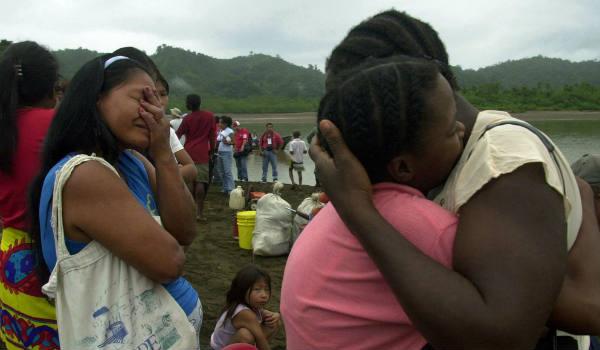 Lors du rapatriement de réfugiés colombiens, à la frontière avec le Panama, le 11 décembre 2003.