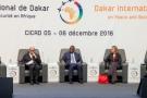 Jean-Yves Le Drian, Macky Sall et Federica Mogherini lors du Forum sur la paix et la sécurité de Dakar, en décembre 2016.