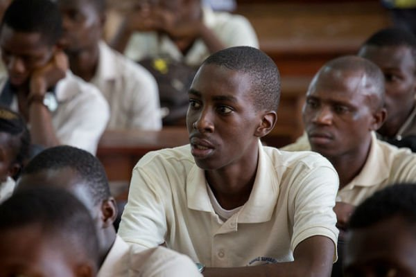 Des étudiants en filière Éducation à l'université de Porto-Novo, au Bénin, en  mai 2017.