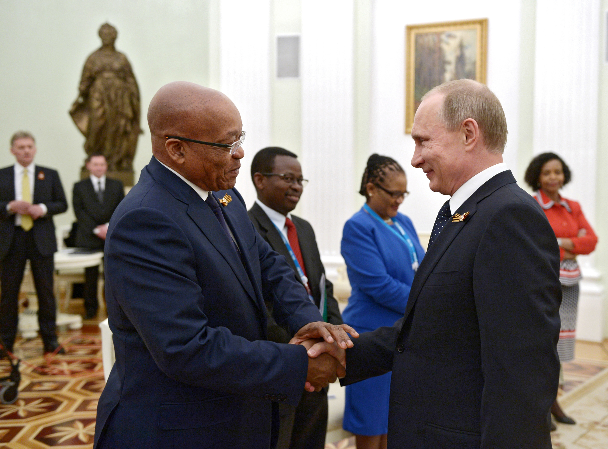 Moscou,9mai 2015: Vladimir Poutine reçoit Jacob Zuma,son homologue sud-africain.