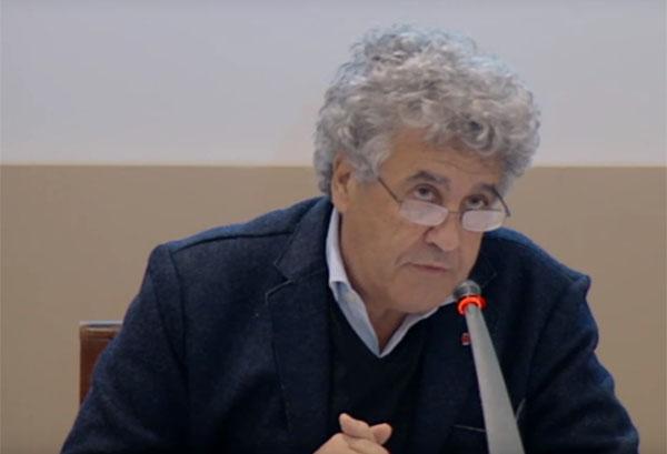 Le politologue Mohamed Tozy lors de la 43e session de l'Académie du royaume du Maroc en décembre 2015.