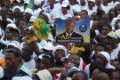 Soutiens d'Ali Bongo Ondimba, le 29 août 2009 lors de sa campagne électorale à Libreville, le 6 novembre 2017.