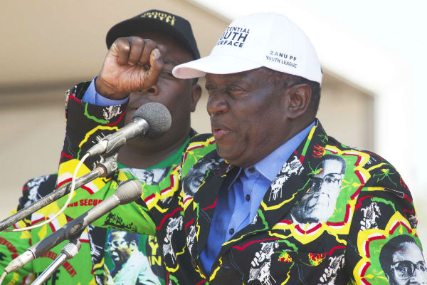 Emmerson Mnangagwa, ancien vice-président du Zimbabwe, lors d'un meeting du Zanu-PF en septembre 2017.